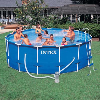 Bazén s pevnou konstrukcí
